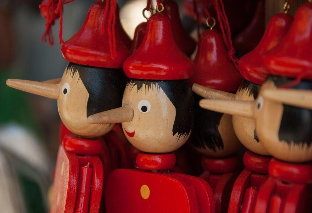 Muñecos de Pinocho.