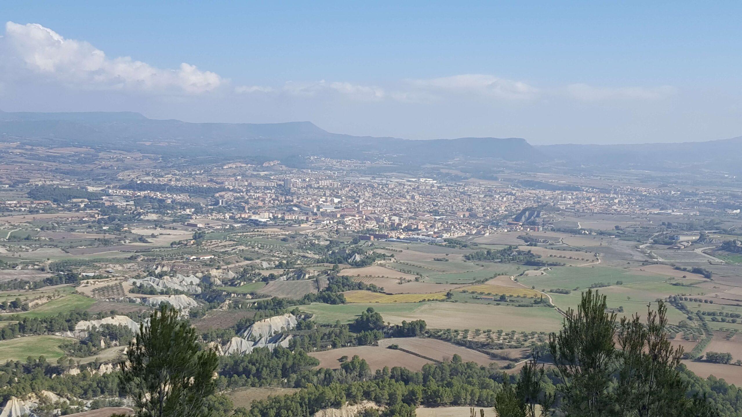 Vista Dels Principals Municipis De La Conca D'Òdena (Igualada, Òdena, Santa Margarida De Montbui I Vilanova Del Camí), Des De La Tossa De Montbui.